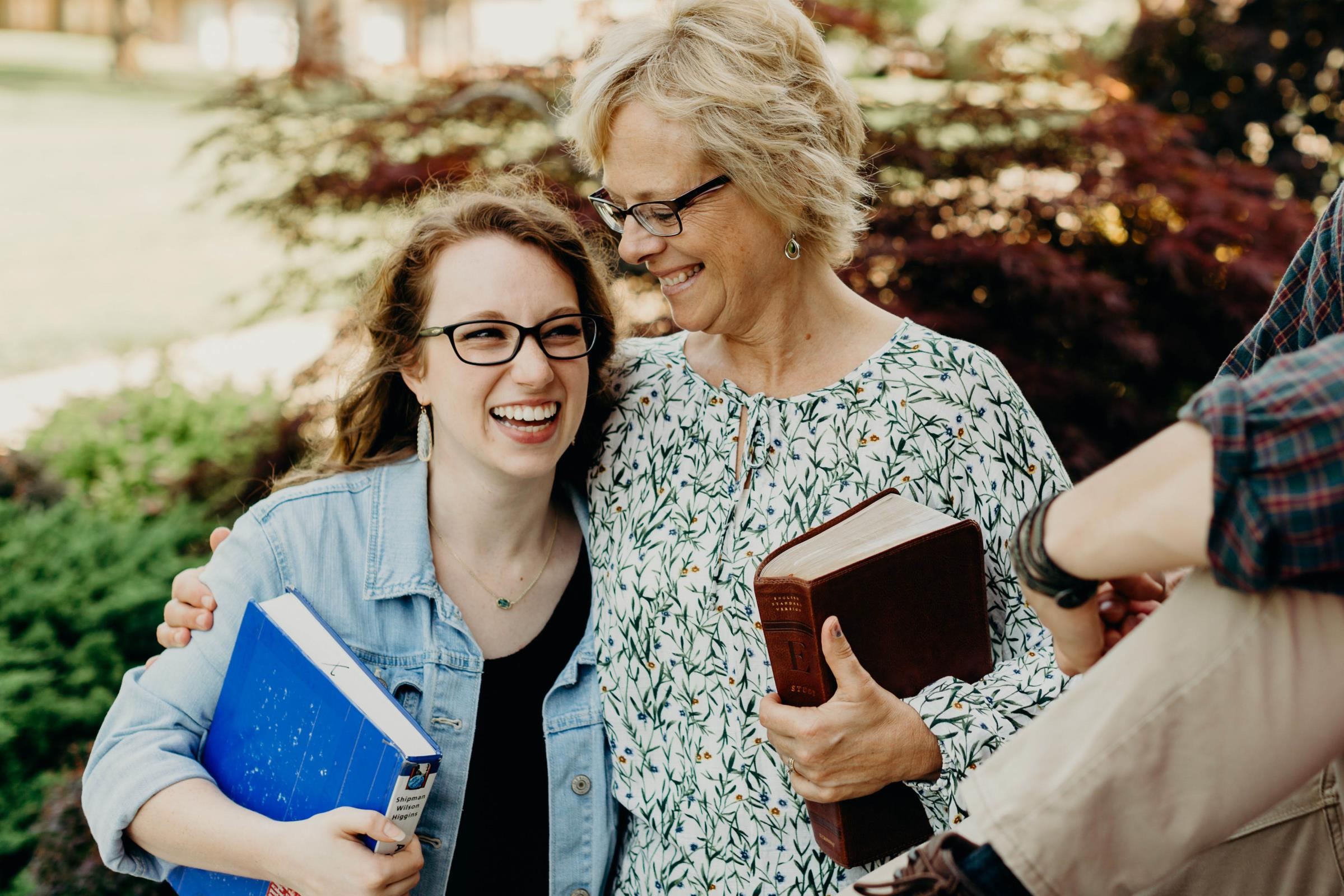 Student with Dr. Jennifer Freeman at C of O chapel